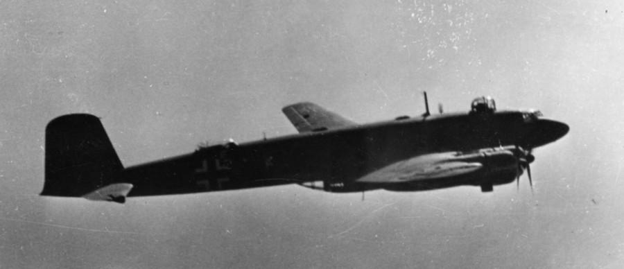 Focke_Wulf_Fw200_C-4_im_Flug_900